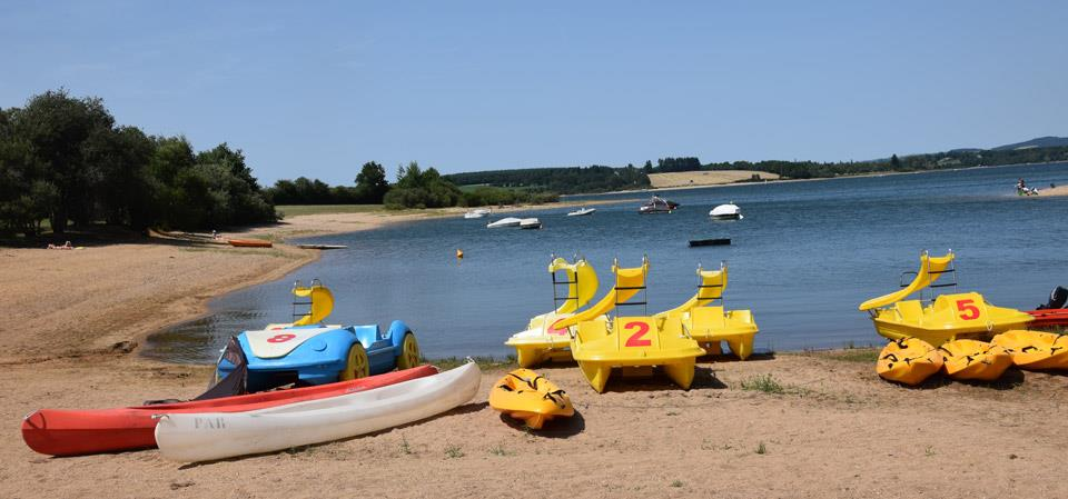 View from the pedalo, canoë and kayak on the nautical base of lake Pareloup located in Aveyron