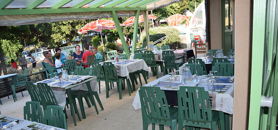 Nature campsite (located in Occitanie) restaurant's terrace