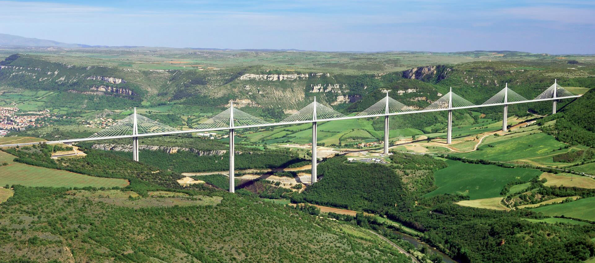 The Viaduct of Millau will take you to Rodez, near the campsite Parc du Charouzech en Aveyron.
